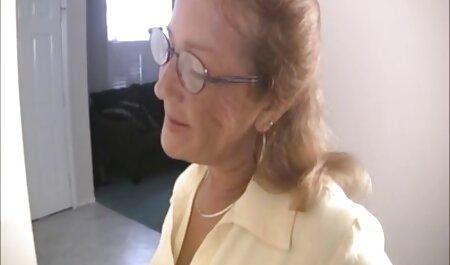 Slim Sveta agrada a si putaria com a esposa mesma com um vibrador
